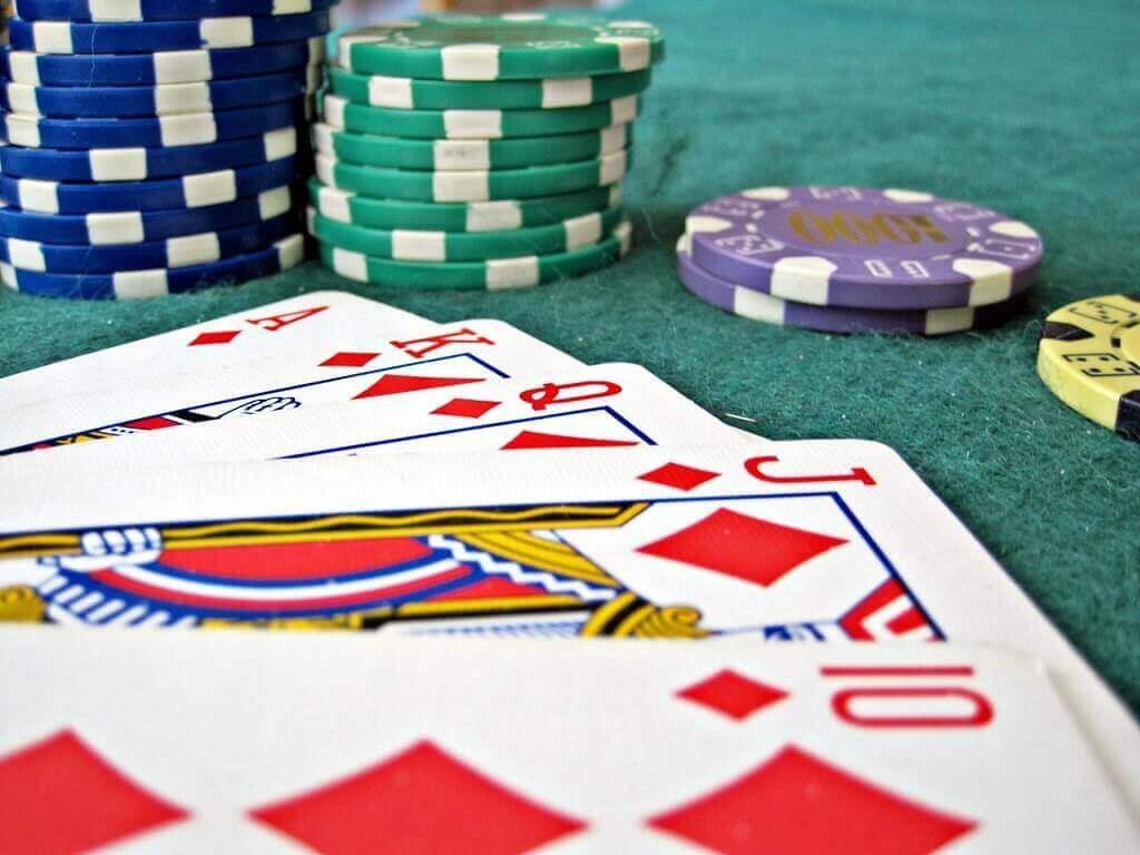 Jogar Poker do Zero – Tudo que você precisa saber!